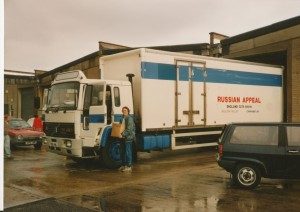 bearr-megan-bick-with-lorry-before-settimg-off-1992